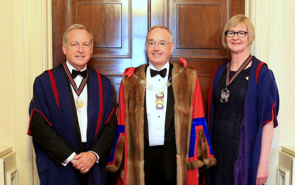 Senior Warden (left), Master,Junior Warden (right)