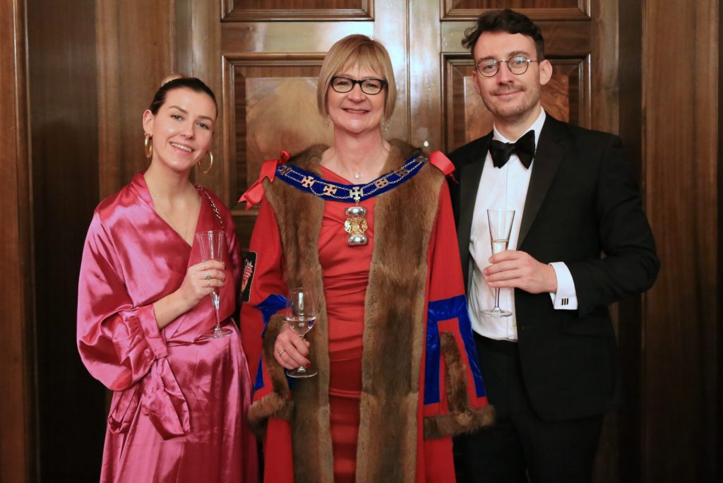 Juornalist Ellie Flynn & Master Fiona at Goldsmiths' Hall dinner Jan 2020